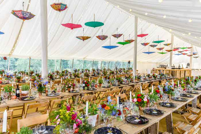 Wedding decorations ideas and tips bride how to embrace colour with a fusion wedding junglespirit Images