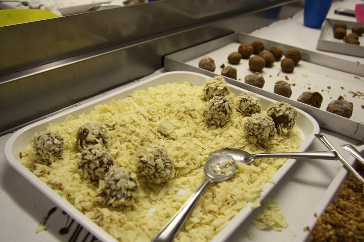 chocolate-truffle-making