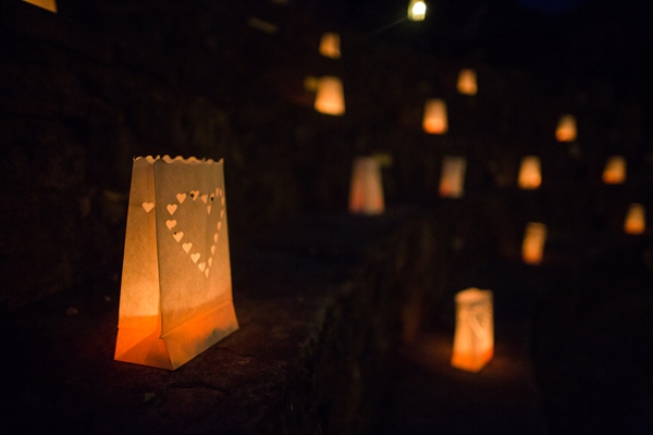 tuscan-paper-lanterns-close-up