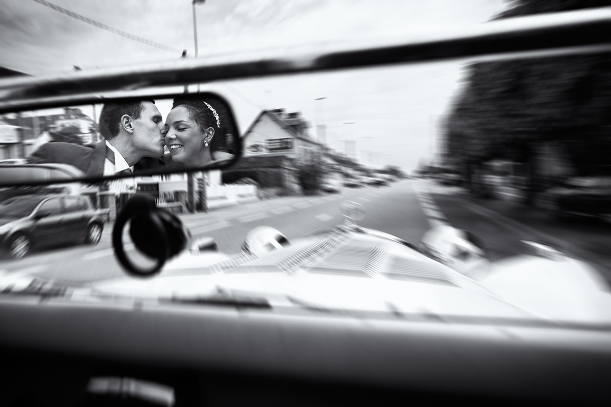 couple-in-car-lorenzo-photography