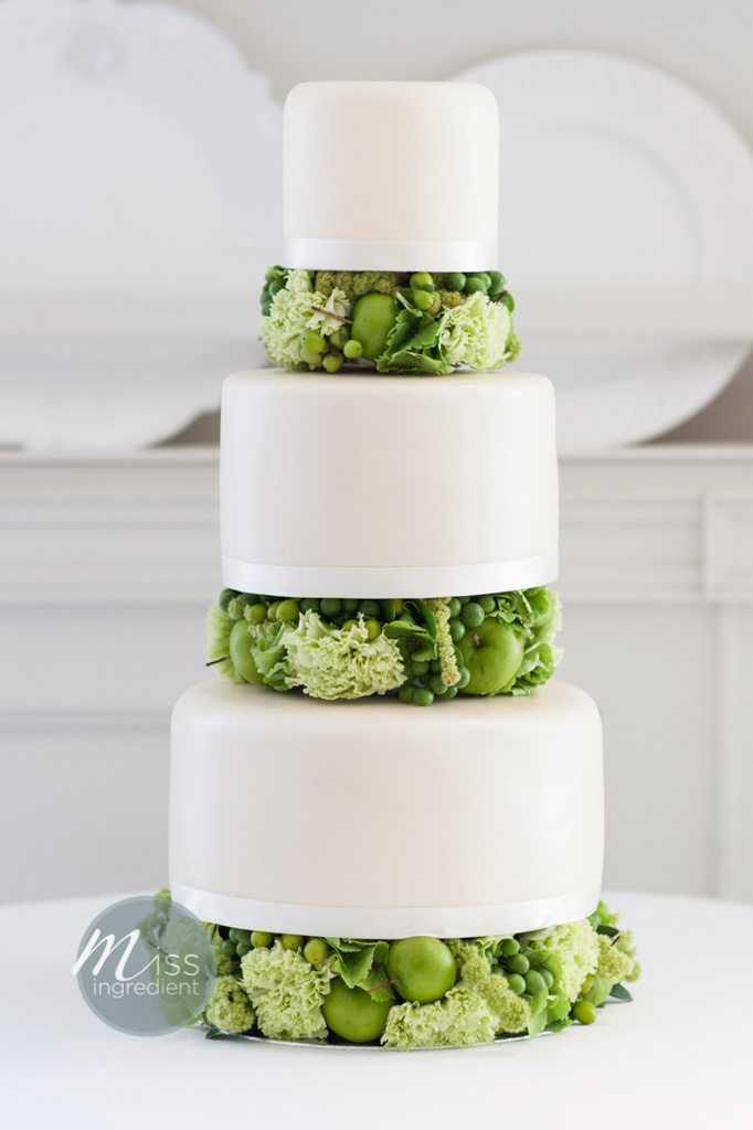 fresh-flower-wedding-cake
