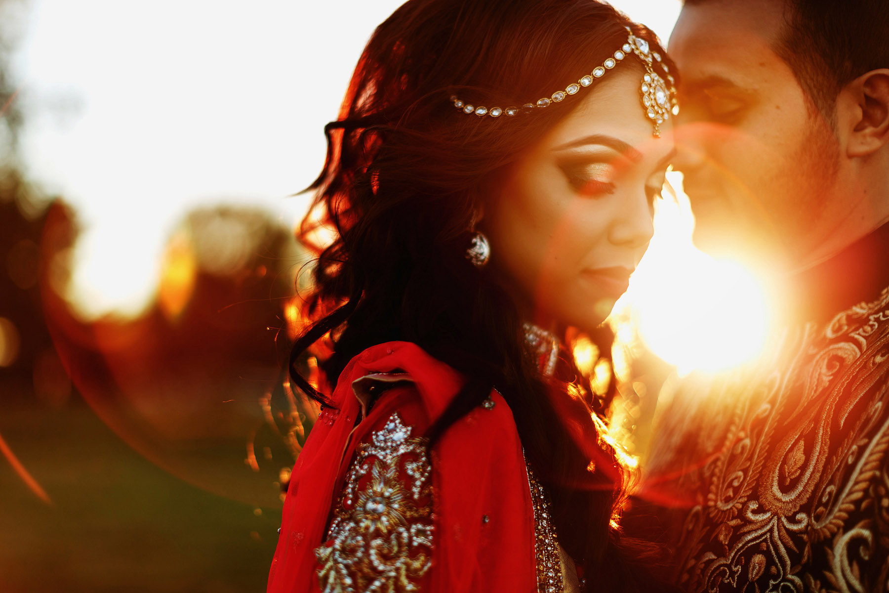 bride-and-groom-at-sunset-by-rahul-khona