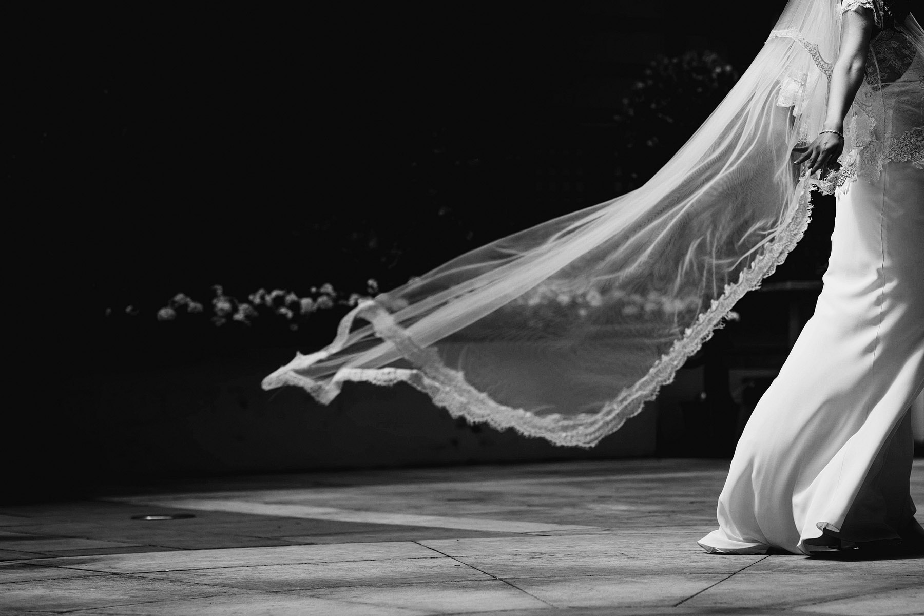 brides-veil-in-the-wind-by-rahul-khona