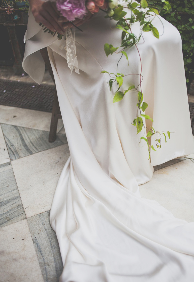 How to preserve your wedding dress an expert guide for Where to dry clean wedding dress