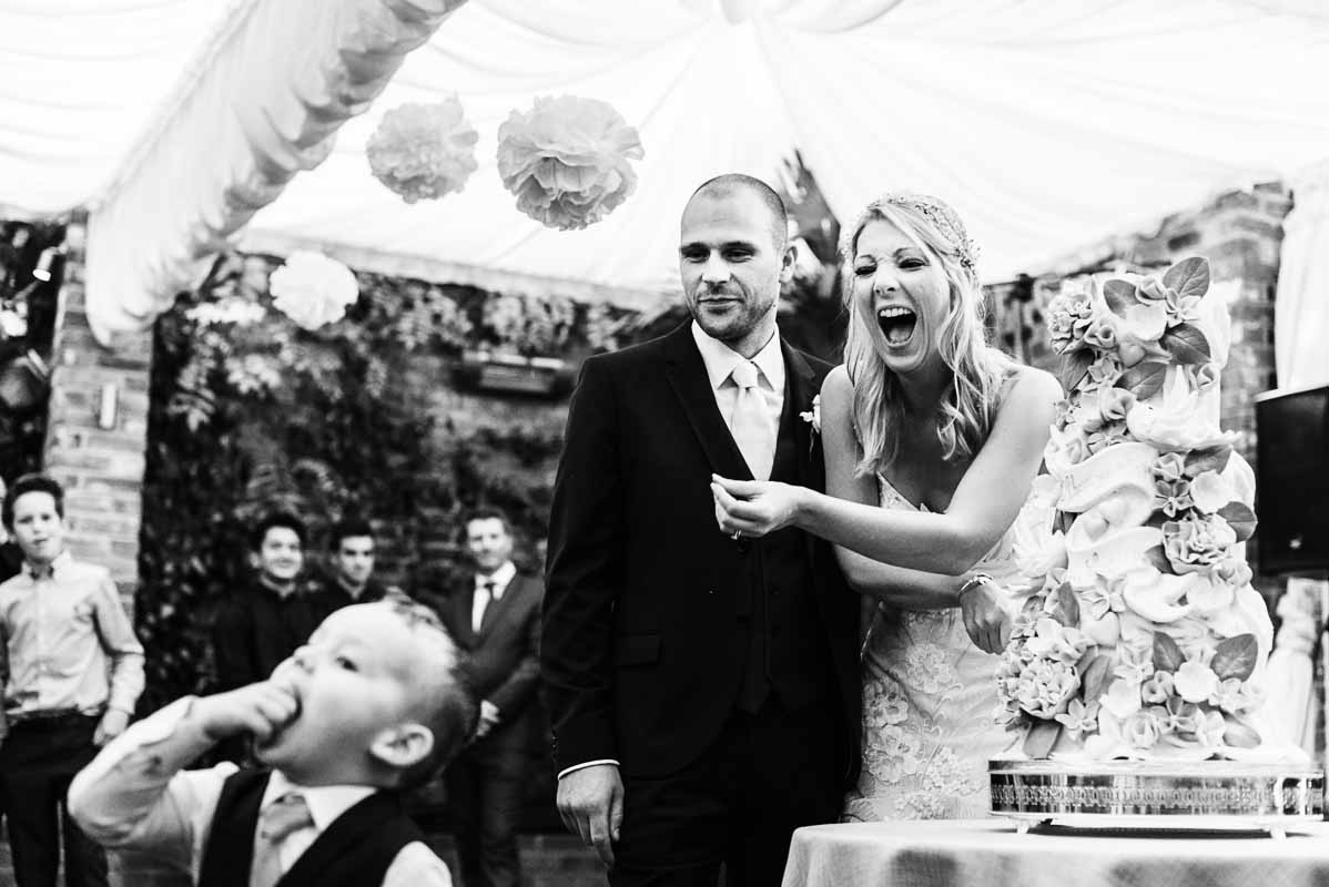 stephen-bunn-wedding-photography-laughing-bride
