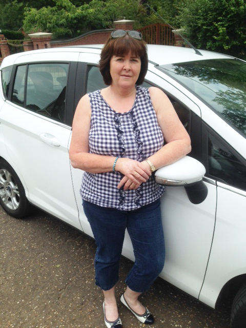 jackie-hitchhike-norwich-bride
