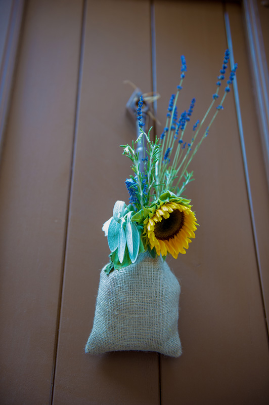 real-wedding-fleur-and-lee-sunflower-bag