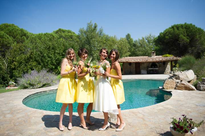 real-wedding-fleur-and-lee-yellow-bridesmaids