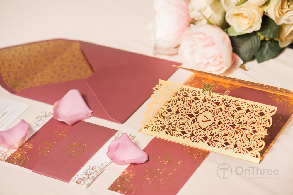 actress-gold-wedding-stationery-design-4