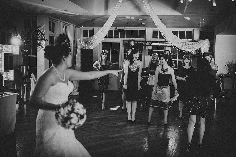 bouquet-throwing-lawson-photography