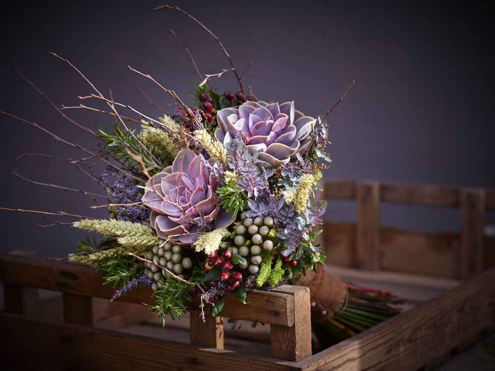 Cost Of Wedding Flowers 2017 : Top five trends for bridal bouquets