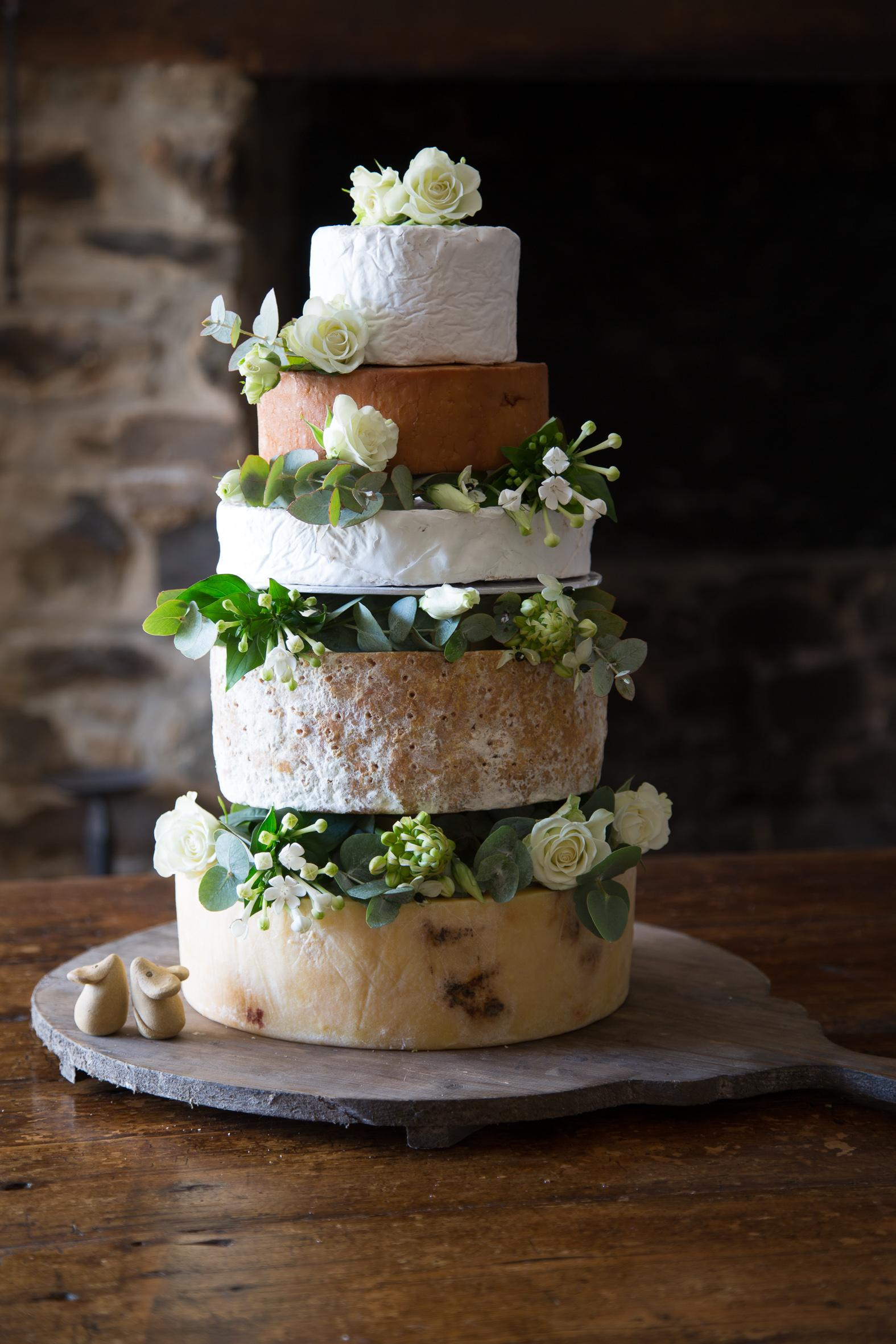 cheese-wedding-cakes-2