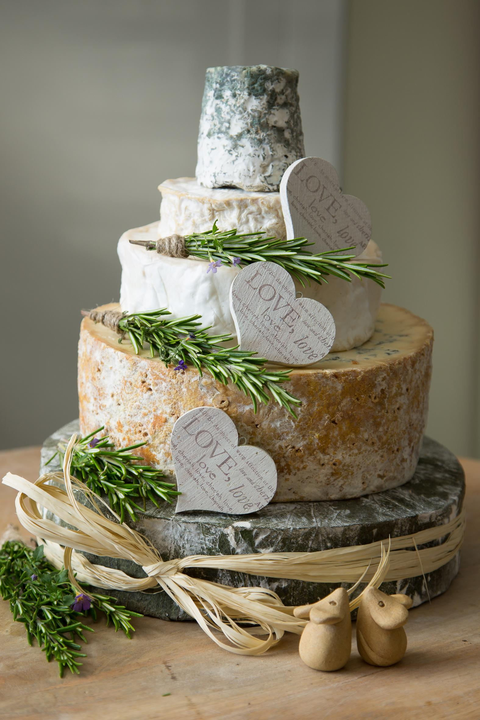 cheese-wedding-cakes-3
