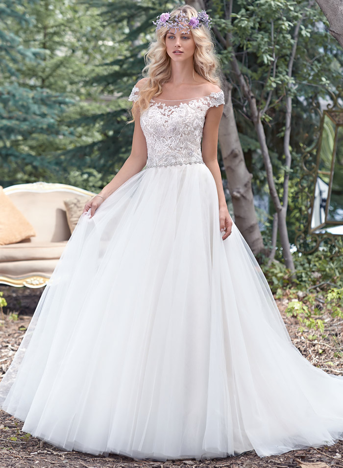 10 fairytale wedding gowns for Fairytale ball gown wedding dresses