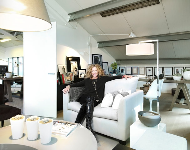 Prezola partners with kelly hoppen london for Interior designers london list
