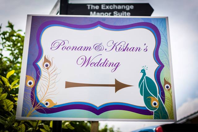 a-peacock-themed-hindu-wedding-in-hertfordshire-25