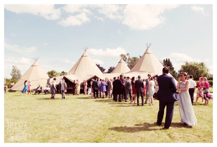 seven-essential-top-tips-for-planning-a-tipi-wedding-2