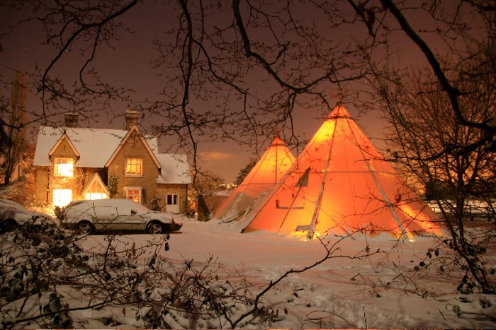 seven-essential-top-tips-for-planning-a-tipi-wedding-3