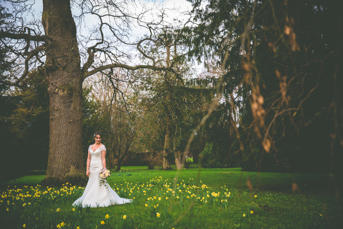 a-pale-pink-and-gold-sparkle-spring-wedding-shoot-in-hampshire-7