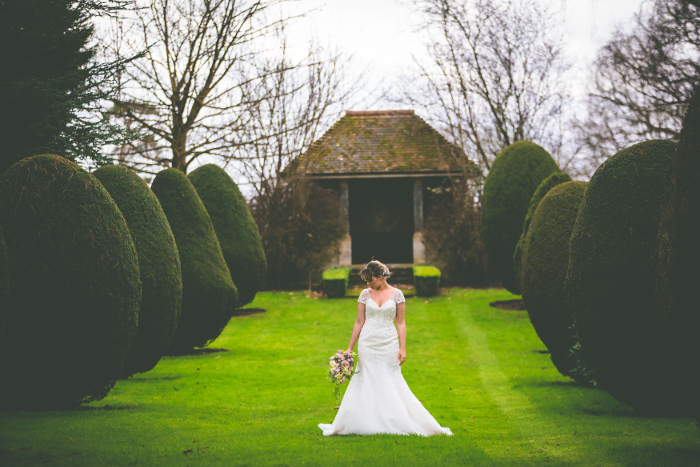 a-pale-pink-and-gold-sparkle-spring-wedding-shoot-in-hampshire-9