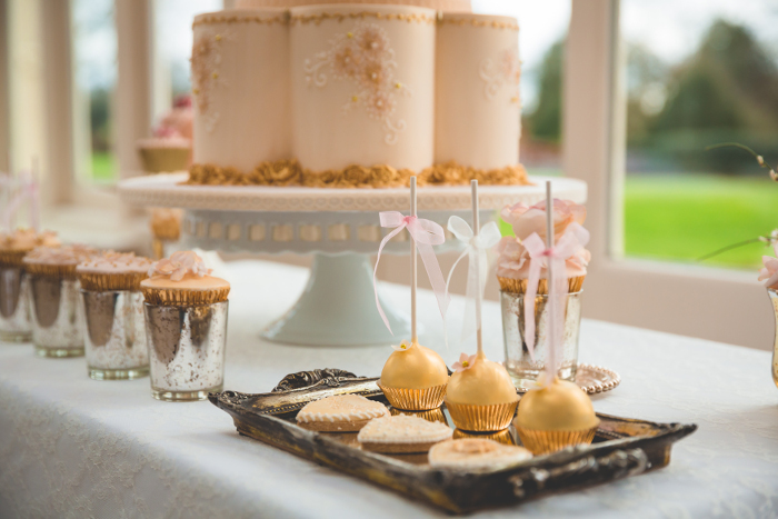a-pale-pink-and-gold-sparkle-spring-wedding-shoot-in-hampshire-20
