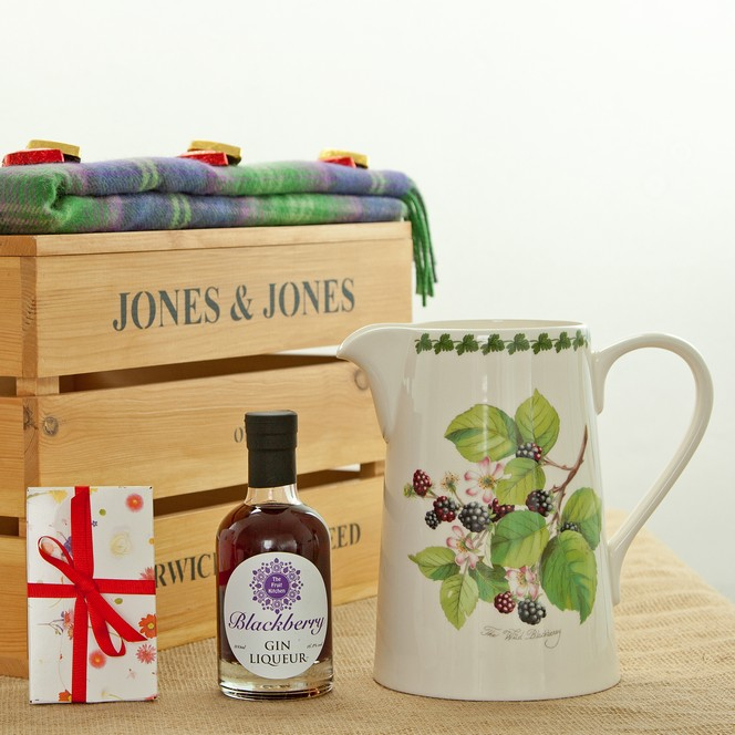 five-great-british-wedding-proposal-gifts-2