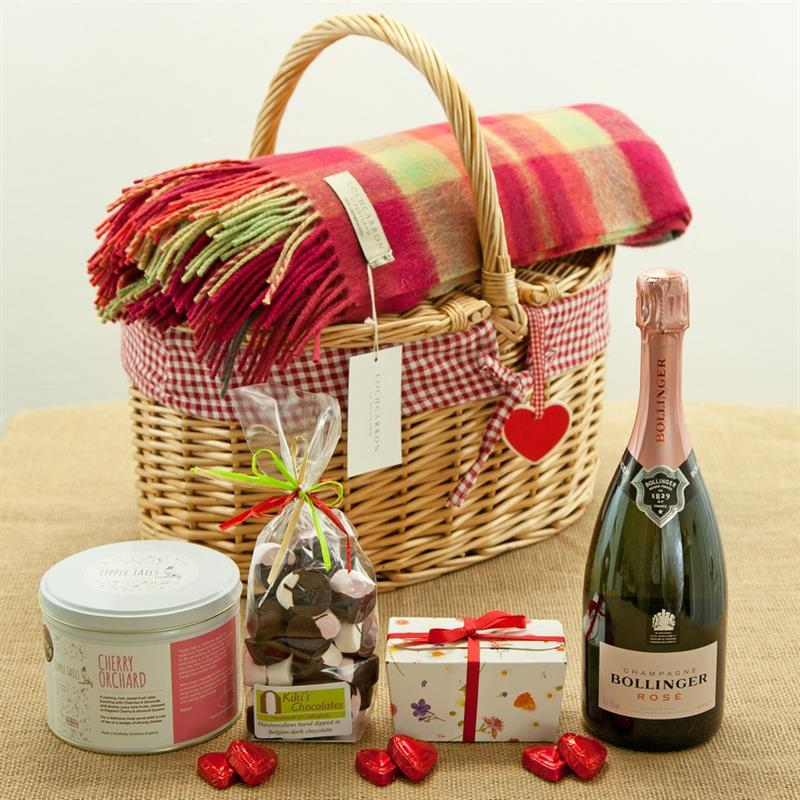 Great Wedding Gifts: Five Great British Wedding Proposal Gifts