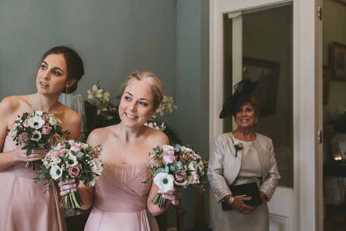 a-neutral-and-navy-wedding-in-hampshire-7
