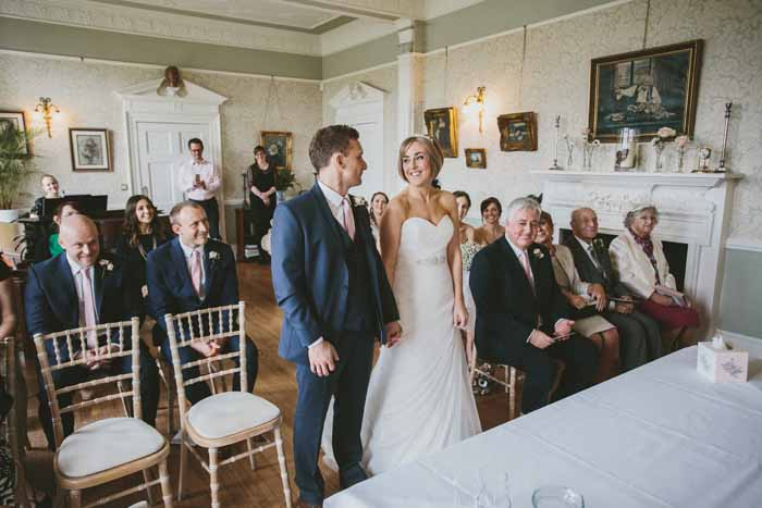 a-neutral-and-navy-wedding-in-hampshire-11