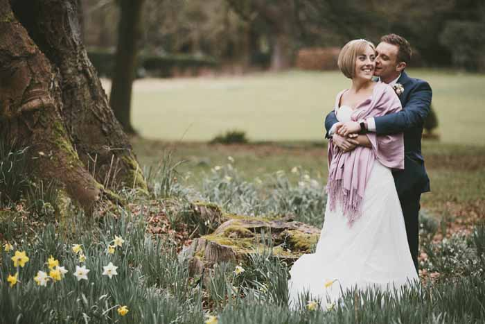 a-neutral-and-navy-wedding-in-hampshire-24