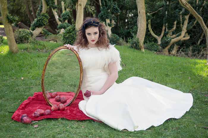 a-snow-white-bridal-shoot-in-hampshire-27