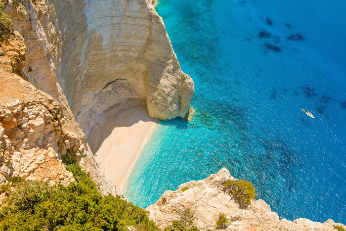 five-reasons-to-honeymoon-in-the-greek-islands-8