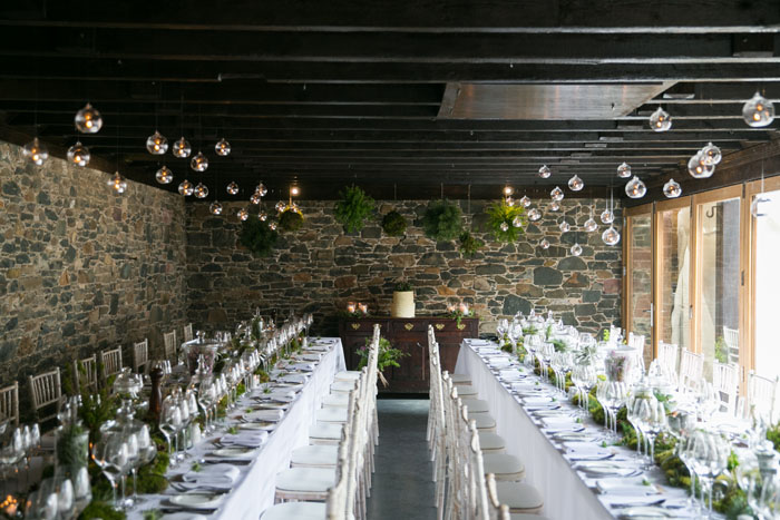 how-to-transform-a-barn-into-a-romantic-wedding-venue-9