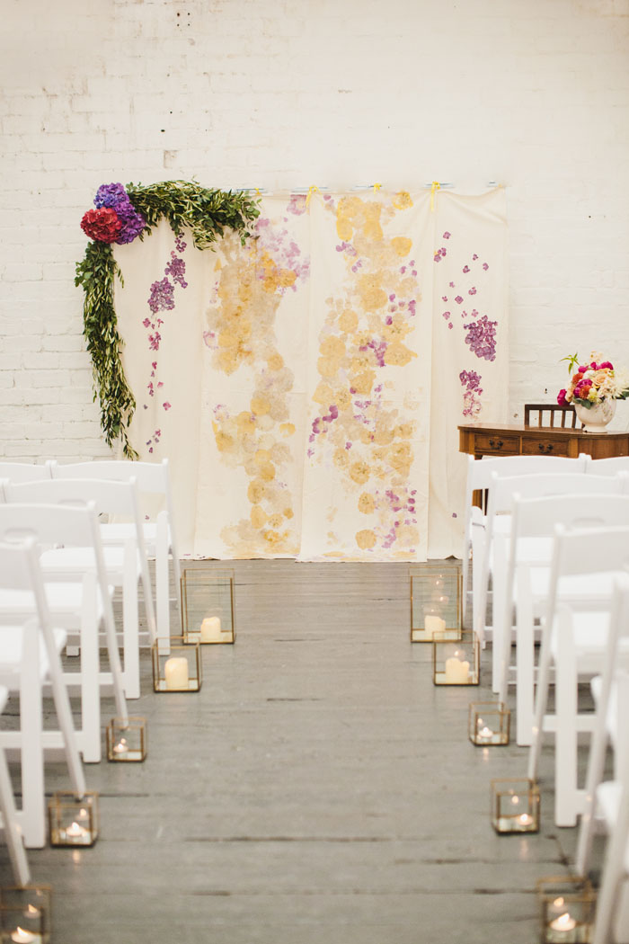 how-to-transform-a-barn-into-a-romantic-wedding-venue-18