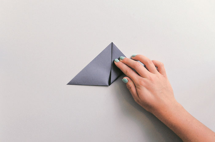origami-triangular-basket-step-by-step-4