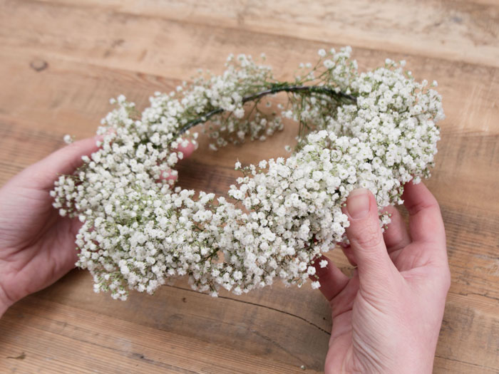 how-to-create-your-own-flower-crown-8