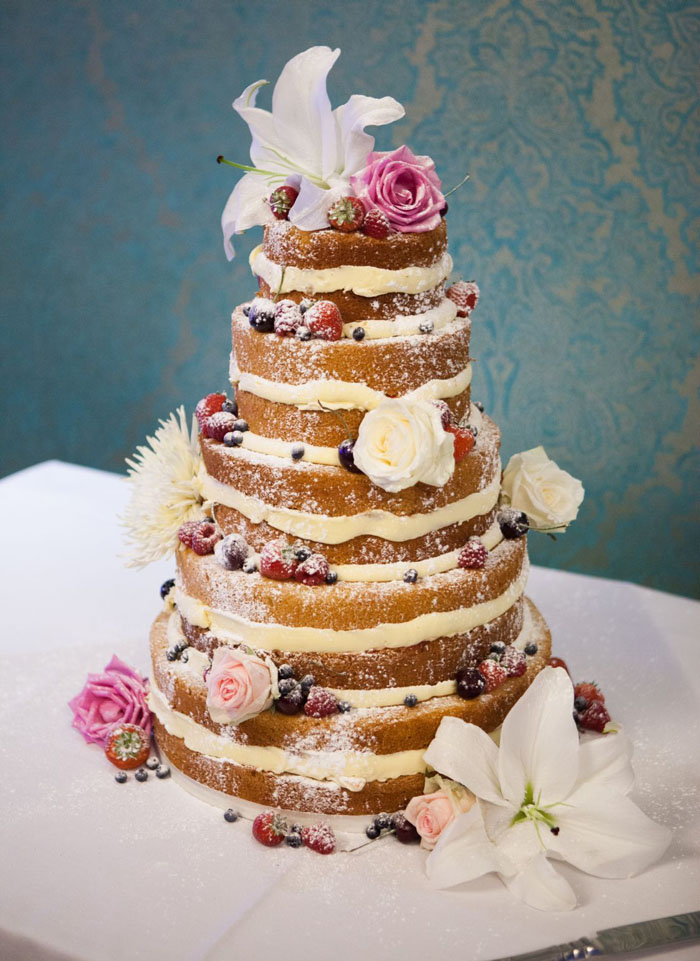 creative-cakes-at-bride-the-wedding-show-westpoint-7