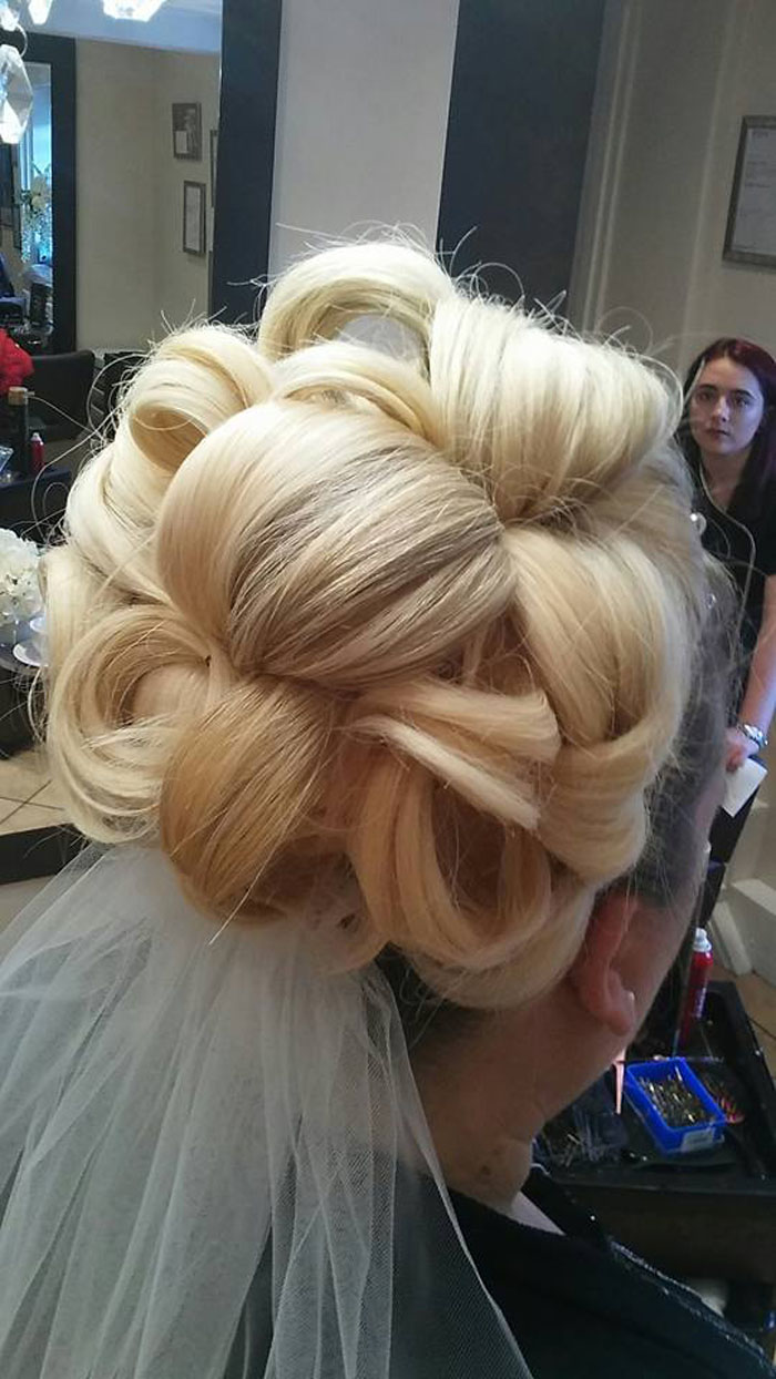 10-bridal-hair-looks-using-extensions-8
