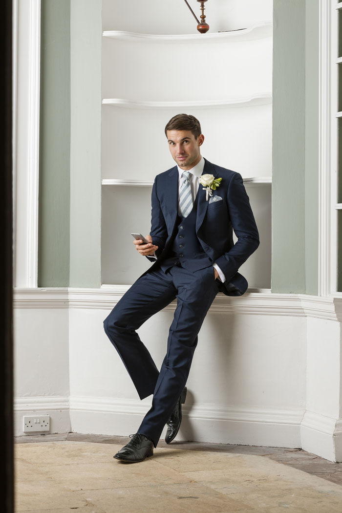 eight-navy-groomsmen-suits-4