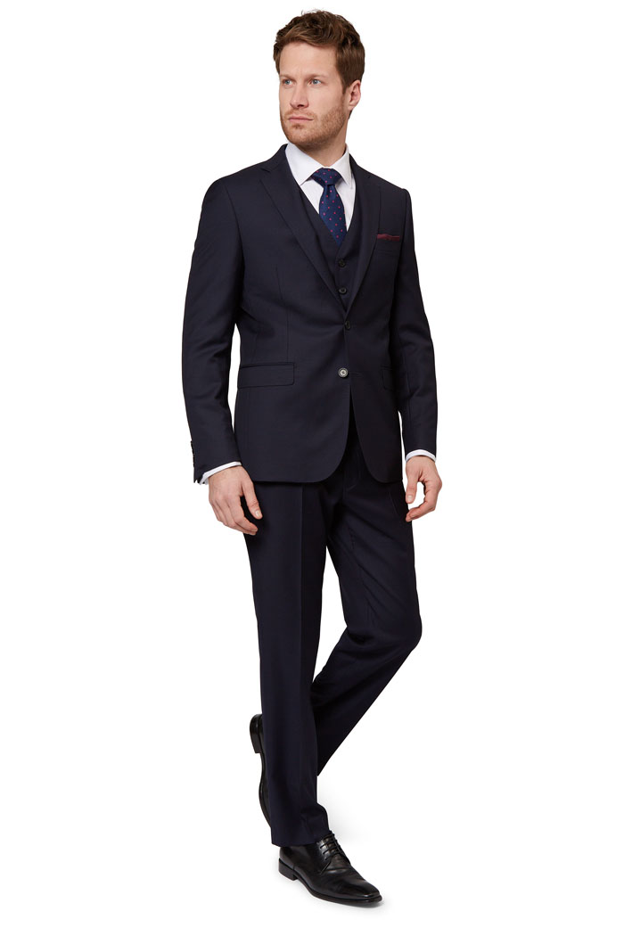 eight-navy-groomsmen-suits-7