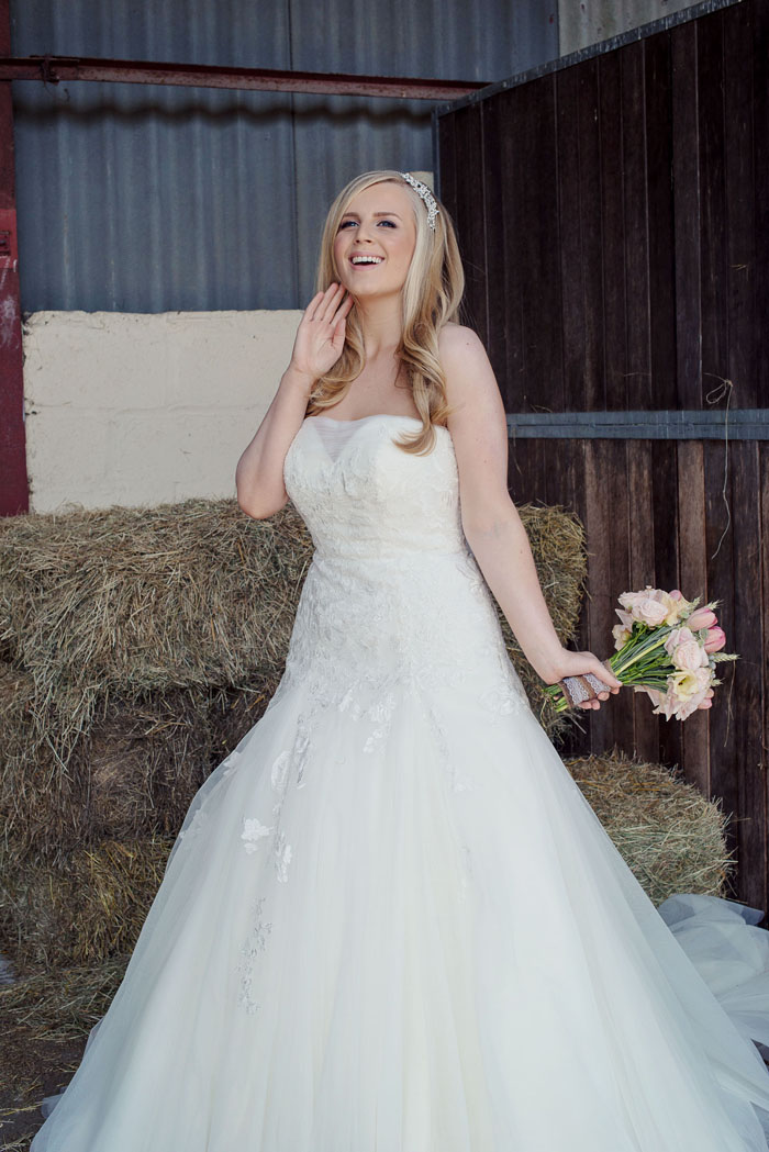a-rustic-bridal-shoot-in-hampshire-2