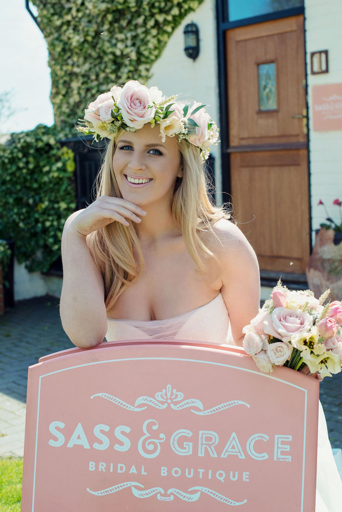 a-rustic-bridal-shoot-in-hampshire-7