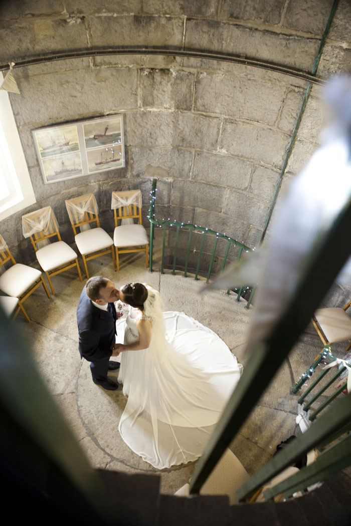 the-welsh-lighthouse-wedding-of-cat-and-jon-burnett-16