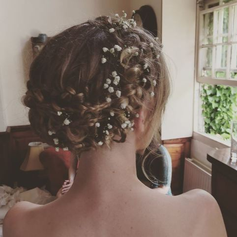 14-of-the-best-uk-bridal-hairdressers-27