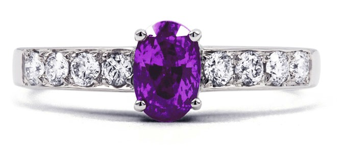birthstone-rings-for-a-personal-commitment-2