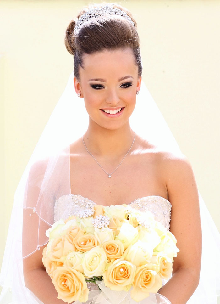 seven-statement-bridal-make-up-looks-3