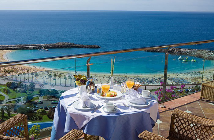 five-reasons-why-gran-canaria-is-a-romantic-honeymoon-destination-1