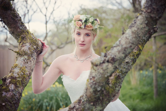 an-english-country-garden-bridal-shoot-in-hampshire-6