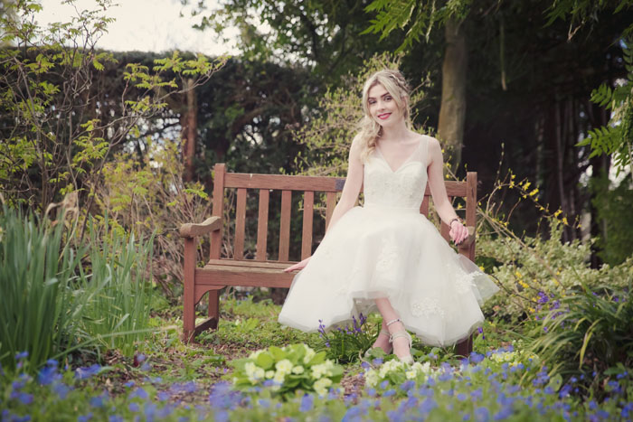 an-english-country-garden-bridal-shoot-in-hampshire-13