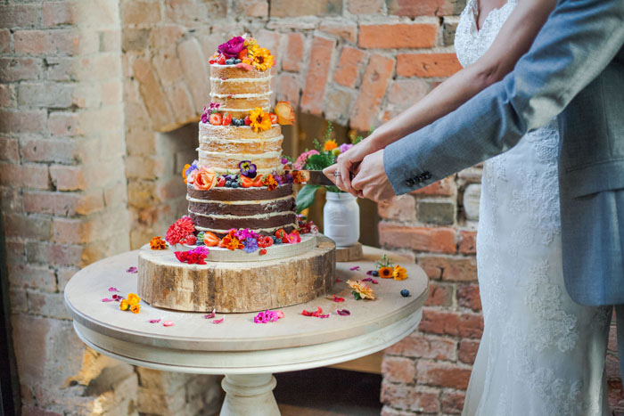 10-truly-scrumptious-naked-wedding-cakes-1